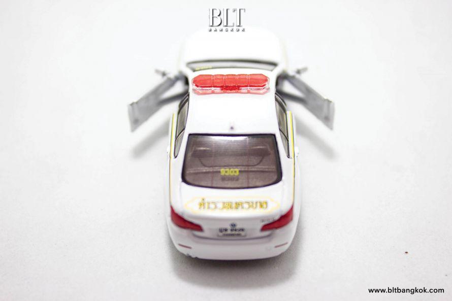 รถตำรวจไทย BMW ซีรีส์ 5 (F10) มีประตูรถที่เปิดออกได้